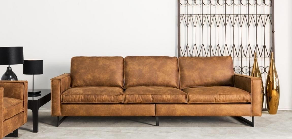 cfe942bc559526 Grand canapé 4 places vintage. une promo